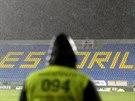 Duel Estoril - PSV Eindhoven se nedohr�l. Hust� d隝 zavinil p�eru�en�.