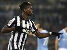 OSLAVA V RUKAVI�K�CH. Paul Pogba z Juventusu se raduje z trefy do s�t� Lazia ��m.
