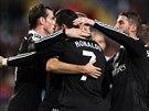 Fotbalisté Realu Madrid slaví vstřelenou branku.