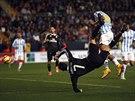 """TOHLE SE BOŽSKÉMU """"CR7"""" NEPOVEDLO... Cristiano Ronaldo (s číslem 7) nezachytil míč a z této šance gól Málaze nevstřelil."""