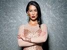 Nikola Buranská v šatech návrhářky Sandry Švédové získala na Miss Earth ocenění za nejlepší večerní róbu.