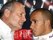 P�ED PRVNÍM TITULEM. Ron Dennis s Lewisem Hamiltonem v roce 2008.