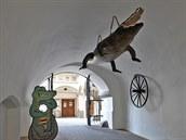Vpodloubí radnice visí brněnský drak, tedy vlastně krokodýl, kterého stateční Brňáci ulovili před mnoha lety vřece Svratce.