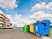 T�íd�ní odpad� usnad�ují samolepky na barevných kontejnerech.