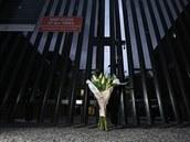 Lidé v Austrálii uctívají památku zesnulého kriketisty Phillipa Hughese.