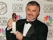 Burt Reynolds dostal Zlatý glóbus v roce 1998.