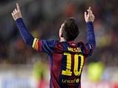 TRADI�NÍ DÍK. Lionel Messi z Barcelony slaví gól.