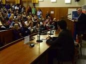 Přednášku zorganizovala studentská organizace Univerzitní křesťanské hnutí (UKH.cz).