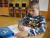 Děti ze Základní školy v Dobřívě na Rokycansku se učí psát novým písmem Comenia Script.