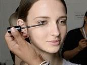 Řasenku Masterpiece Transform High Impact Volumising Mascara od Max Factor představila vizážistka Pat McGrath na přehlídce Victoria Beckham v New Yorku.