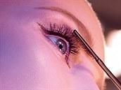 Reklamní vizuál na řasenku Studio Sculpt Superblack Lash zn. MAC