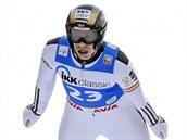 Roman Koudelka si v Klingenthalu letí pro triumf v závod� Sv�tového poháru.