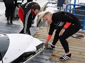 Kaillie Humphriesov� se chyst� na j�zdu v kanadsk�m �ty�bobu.