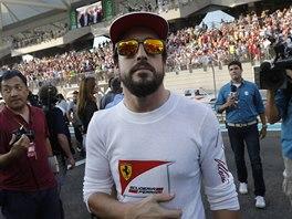 SOUSTŘEDĚNÍ. Fernando Alonso před Velkou cenou Abú Zabí.