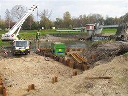 Pohled na stavební úpravy na Odře v Ostravě.