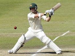 Australsk� kriketov� reprezentant Phillip Hughes odpaluje v utk�n� proti v�b�ru Jihoafrick� republiky.
