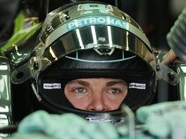Nico Rosberg před tréninkovou jízdou před Velkou cenou Abú Zabí formule 1.