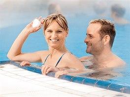 V Bad Birnbachu léčivý pramen o teplotě 70 °C napájí 31 bazénů, každý jinak teplý.