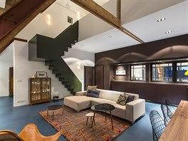 Nov� byt vznikl v podkrov� nevyu��van� �koln� budovy postaven� ve t�ic�t�ch...