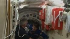 Na ISS dorazila nová posádka. (24. listopadu 2014)