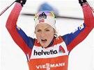 Therese Johaugov� po triumfu v z�vod� na deset kilometr� klasicky ve finsk� Ruce.