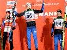 Tři nejlepší ze závodu na 15 km klasicky ve finské Ruce: (zleva) druhý Martin Sundby z Norska, vítězný Fin Iivo Niskanen  a jeho krajan Sami Jauhojärvi, který skončil třetí.