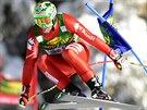 Italský lyžař Dominik Paris na trati superobřího slalomu v Lake Lousie.