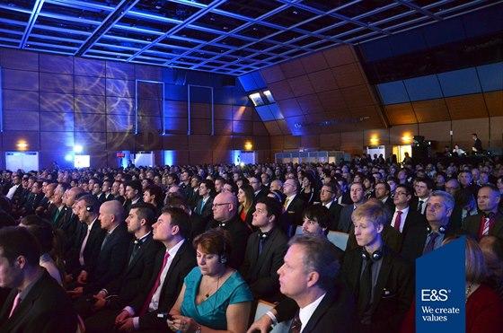 Bezmála 1200 posluchačů ze čtyř evropských zemí mělo možnost dozvědět se nejnovější informace ze světových trhů, zdroj: E&S Investments Czech Republic