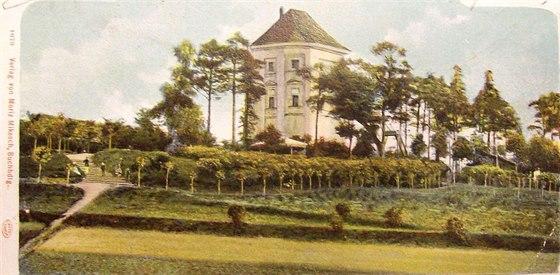 Pohlednice zdob, kdy zámek sloužil jako restaurace.