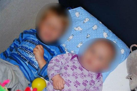 Sourozence norsk� ��ady rodi��m odebraly v kv�tnu 2011. Pot� je rozd�lily. Nyn� ka�d� se sourozenc� �ije u jin�ch p�stoun�.