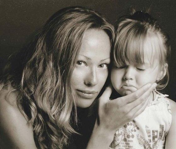 Glikeriya Pimenová se svou dcerou, když byla ještě batole.