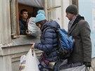 Humanitární centrum v Kyjevě, kde shromažďují dary pro uprchlíky z východu země (5. prosince 20