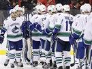 Hokejisté Vancouveru po výhře na ledě Washingtonu, ke které výrazně pomohl i RAdim Vrbata.