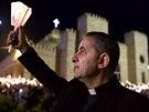 Iráčtí křesťané se modlí v Irbílu (6. prosince 2014).