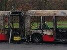 Na parkovi�ti v Mn�ku pod Brdy sho�ely dva autobusy. �koda je osm milion� (5.12.2014)