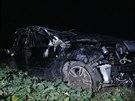 Opilá řidička skončila v poli poté, co nezvládla u obce Mořina zatáčku (8.12.2014)