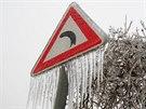 Ledovka pokryla jihomoravské silnice. Policisté řeší desítky nehod. Stalo se jich pětkrát více, než je obvyklé.