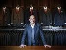 Hezké oblečení má v Anglii tradici díky ostrému třídnímu rozdělení společnosti, soudí Mark Cowdery.