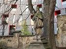 Jediný kus středověkých hradeb, který ve městě zůstal, najdete za kostelem sv. Václava.