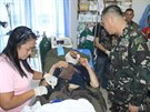 Devětačtyřicetiletého Lorenza Vinciguerru zadržovali filipínští islamisté od února 2012. Při útěku jednoho z nich zabil mačetou (6. prosince 2014).