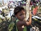 Tajfun Hagupin ni�il, co mu p�i�lo do cesty, oproti lo�sk�mu Haiyanu za sebou ale nechal jen minimum ob�t� d�ky rozs�hl� evakuaci (8. prosince 2014).