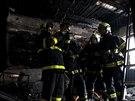Plameny poničily i tři pokoje chaty Barborka. (4. prosince 2014)