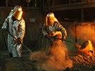 Práce v Třineckých železárnách je hodně náročná. (5. prosince 2014)