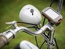 Moped, na kterém cestovatelé projedou kus černého kontinentu, je opatřen i navigací GPS.