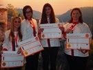 Studentky i jejich učitelky ze Střední školy gastronomie a služeb Nová Paka přivezly čtyři medaile ze Světového poháru kuchařů a cukrářů v Lucembursku.