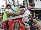 Obyvatelé Filipín se chystají na evakuaci (4. prosince 2014)