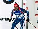 Michal Šlesingr vyráží na trať vytrvalostního závodu v Östersundu.