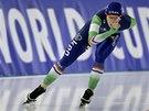 Ireen Wüstová v závodě na 3 000 metrů při Světovém poháru v Berlíně.