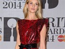 Here�ka a modelka Rosie Huntington-Whiteley v leskl�ch �erven�ch mini�atech z kolekce Saint Laurent jaro-l�to 2014