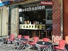 V prádelně na Gotzkowskystrasse si můžete při čekání na vypranou hromadu prádla v klidu posedět u hrnku výborné kávy.